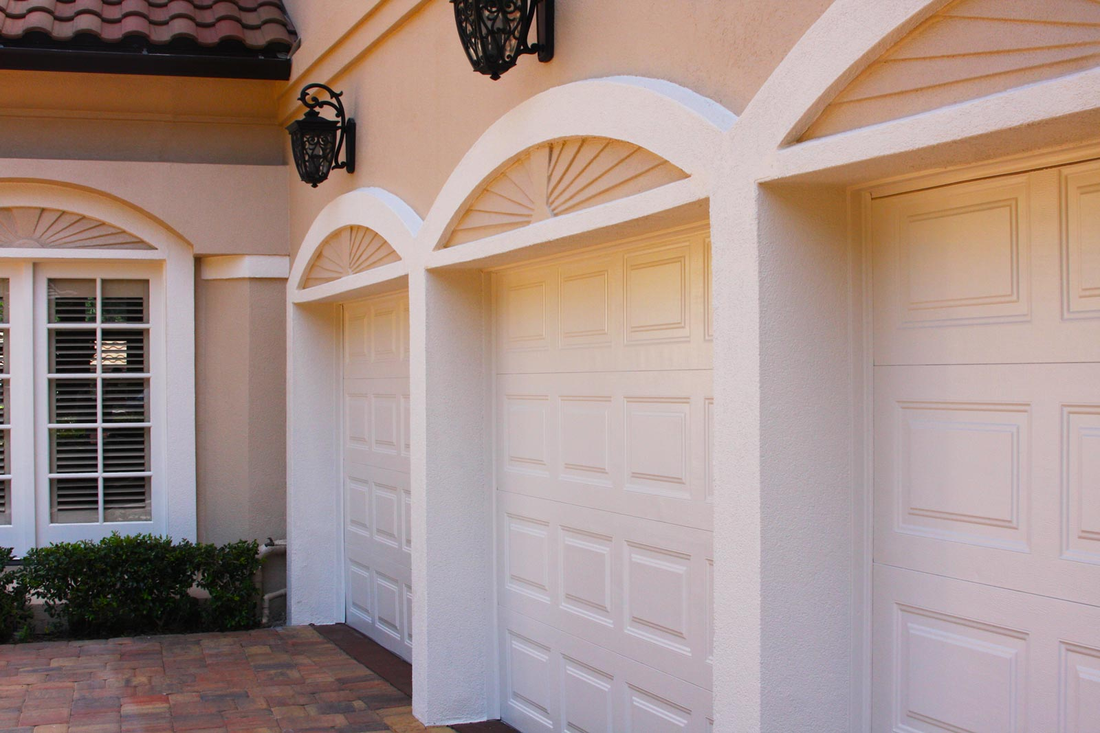 Cockrell Hill-Grand Prairie TX Professional Painting Contractors-We offer Residential & Commercial Painting, Interior Painting, Exterior Painting, Primer Painting, Industrial Painting, Professional Painters, Institutional Painters, and more.